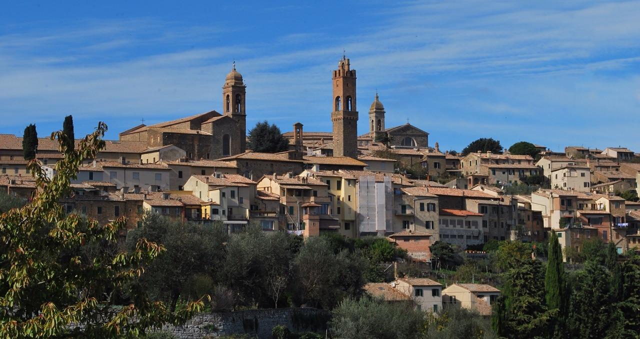 Montalcino panorama: foto scattata dall'alto da est nord-est